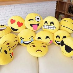 Add some Emoji Pillows on your bed or couch! TRUST-your friends will all be jealous Cody Charms - Charmingly All Emoji Party Emoji, Emoji Caca, Le Emoji, Icon Emoji, Emoji Room, Cute Pillows, Throw Pillows, Et Wallpaper, Emoji Board