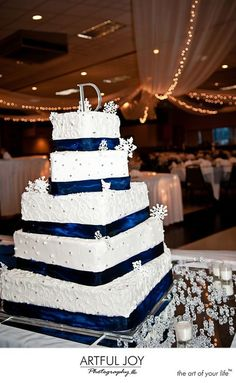 Perfect! winter wedding cake with my color blue.. just replace the D on top with a K