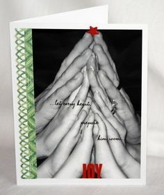 sweet Family Christmas Card Idea- photo of stacked hands to make a christmas tree