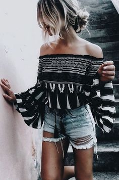 Over the shoulder b&w loose sleeve top with ripped high wasted denims... CUTE