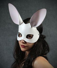 Masque de cuir de lapin blanc