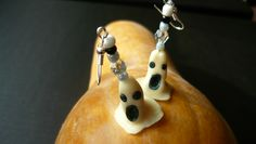 ghost earring (polymer clay)