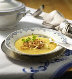 Grießnockerlsuppe...traditionell bayerisch, einfach & lecker. ♡ Rezept auf dem Blog.  BEYHAN ...