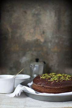 Torta soffice con zucchine cacao e pistacchi - zucchini cake
