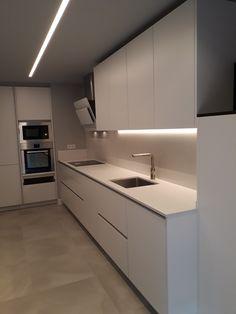 Kitchen Interior, Kitchen Decor, Kitchen Design, Kitchen Cupboards, Kitchen Lighting, Kitchen Remodel, Sweet Home, New Homes, Room Decor