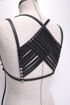 Handmade harness of pure black or nude leather stripes with matte smooth finish featuring studs. Leather Accessories, Leather Jewelry, Leather Craft, Gothic Fashion, Diy Fashion, Slow Fashion, Industrial Piercing Jewelry, Leather Harness, Cowhide Leather