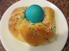 This is an amazing and delicious Easter tradition – Italian Easter bread!     http://www.greenkidcrafts.com/italian-easter-bread/