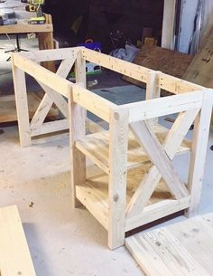 DIY Farmhouse desk for the home Office #WoodProjectsDiyForTheHome #woodworkingbench