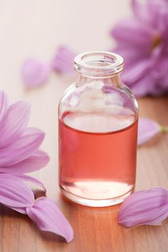 Relieve Stress, Boost Mood And Enhance Memory With These Essential Oils