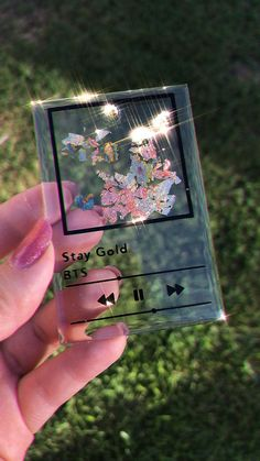 Diy Resin Art, Diy Resin Crafts, Diy Art, Diy And Crafts, Paper Crafts, Cute Gifts, Diy Gifts, Stay Gold, Bts Playlist
