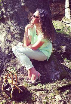 Green Neon  , Bob Sdrunk in Occhiali / Occhiali da sole, H in Camicie / Bluse, Zara in Jeans, Cinti in Tacchi / Zeppe, Louis Vuitton in Borse, Angela Caputi in Gioielli