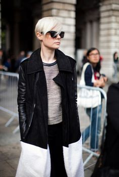 Kate Lanphear (again). Kate Lanphear, Black And White Coat, Frock And Frill, Androgynous Fashion, Androgyny, Love Her Style, Celebrity Style, Autumn Fashion, Street Style