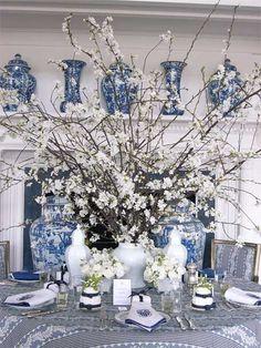 Chinese porcelain blue & white www.pinterest.com... ❤•♥♥Simply Divine♥♥•❤ »★«Elysian-Interiors»★« #Interiordesign