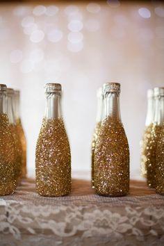 Garrafinhas!!!! Minha festa será decorada com garrafinhas, tanto de cerveja, quanto vinho de todos os tamanhos ^^. #Amo