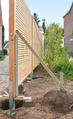 3 Top Cool Tips: Front Yard Fence Cinder Blocks pallet fence decorative.How To Build A Privacy Fence modern fence topper.Black Fence Grey Shed. Backyard Fences, Garden Fencing, Backyard Landscaping, Diy Fence, Fence Ideas, Garden Ideas, Carport Ideas, Carport Designs, Fence Art