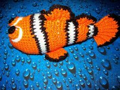 Clown Fish Pattern FREE  - http://www.craftster.org/forum/index.php?topic=304654.0#axzz2hNmai1CY