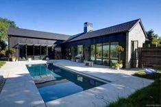 Fabulous Modern Farmhouse Exterior Plans Ideas 41