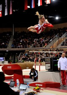 Giulia Steingruber Gymnastics Facts, Gymnastics Images, Gymnastics Posters, Sport Gymnastics, Artistic Gymnastics, Olympic Gymnastics, Tessa And Scott, Shawn Johnson, Contortion