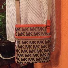 Michael kors  signature  crossbody purse New purse Michael Kors Bags Crossbody Bags