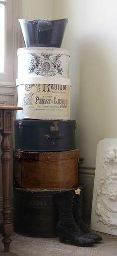 Les cartons et boites à chapeaux - Baucis et Philémon                                                                                                                                                                                 More