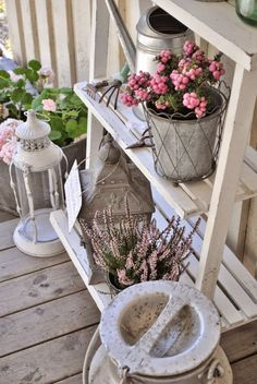 white layer standing selves with flower pots Pink Garden, Summer Garden, Farmhouse Chic, Front Door Decor, Diy Arts And Crafts, Balcony Garden, Garden Styles, Garden Planning, Shabby Chic Decor
