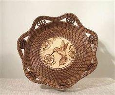 Willow Weaving, Basket Weaving, Pine Needle Crafts, Linen Baskets, Pine Needle Baskets, Pine Needles, Birch Bark, Gourd Art, Unique Gifts