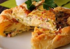Zucchini / Ham and Gorgonzola Quiche WW - Main Course and Recipe - Plats - Salad Recipes Healthy Summer Salad Recipes, Easy Salads, Healthy Salad Recipes, Meat Recipes, Lemon Meringue Cheesecake, Cheesecake Recipes, Light Soups, Most Popular Recipes, Barbecue Recipes