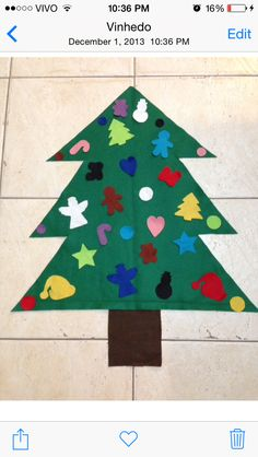 Felt Christmas Tree!! Kids can have a lot of fun and parents won't worry about breaking the ornaments