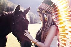 Sun beams... Find our colorful Feather Headdress in our online shop (89.- USD). Check out our blog post ´Horses - Symbol Of Loyalty, Power & Devotion´ – Indian Headdress - Novum Crafts