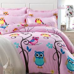 The colorful bedding sets for teenage girls features a simple look that goes great with all types of contemporary decor schemes. Update your bed in designer style with the colorful bedding sets for teenage girls. Owl Bedrooms, Girls Bedroom Sets, Girls Bedding Sets, Small Room Bedroom, Teen Girl Bedrooms, Luxury Bedding Sets, Kids Bedroom, Childrens Bedroom, Bedroom Wall