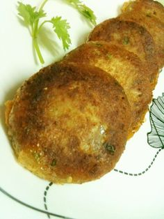 Shami Kebabs are very popular both in Pakistan and India . In our Family we have them as snacks or have them as a side dish with peas/ch. Best Indian Recipes, Indian Chicken Recipes, Beef Recipes, Cooking Recipes, Recipies, Shami Kebabs, Seekh Kebab Recipes, Pakistan Food, Best Cinnamon Rolls
