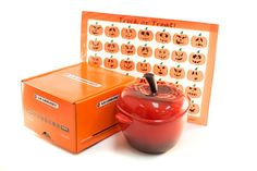 I just entered the #RecipeLion @lecreuset Apple Cocotte and Silpat Holiday Mat #Giveaway http://www.fc7.us/8Womj