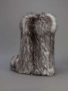Liska fox fur boot - MERCEDES: Great winter fur boot and I've been searching for one (I really don't like ones with chunky rubber bottoms which is hard to find - most are masculine and chunky and have the brand stamped all over) Winter Fashion Boots, Winter Boots, Spring Outfits Classy, Fashion Model Sketch, Stockholm Fashion Week, Hipster Shoes, Leg Cast, Mens Fur, Fur Accessories