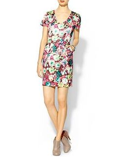 This floral dress can be worn in every season! | shopfootloose.com
