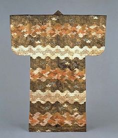 Kosode (kimono), 17th century Japan. This tsujigahana kosode (short-sleeved kimono) is shibori-dyed (tie-dyed) into pine bark and diamond-patterned horizontal bands. These dangawari (alternating colored) bands are further accentuated with delicate embroidery and surihaku gold leaf. Kyoto National Museum
