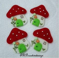 DOUBLE LAYERS Mushroom House Felt Applique (Vanilla - Red) - set of 4 pcs $4.50