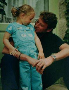 Johnny et Laura quand elle était jeune