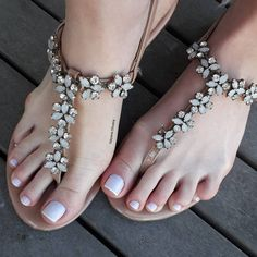 Stylo Shoes, Cool Girl Style, Minimalist Nails, Christian Louboutin, Feet Nails, Female Feet, Cute Sandals, Fashion Sandals, Dream Shoes