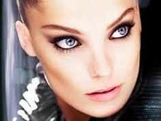 http://maquillajenocheydia.com/ojos-ahumados/ ♥ Ojos ahumados ♥ Un maquillaje para ojos infalible. Consigue una mirada felina, impactante y provocadora ;) Aprende a maquillarte con nosotros de manera fácil. En maquillajenocheydia.com tienes todo lo que necesitas, imágenes fantásticas, vídeos tutoriales paso a paso y las mejores ideas, trucos y consejos para lograr un make up natural o más sofisticado