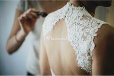 Foto de Raúl Tomás - http://www.bodas.net/articulos/vestidos-de-novia-con-escote-halter--c2311