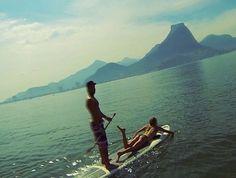 Laura Enever e Granger Larsen, surfe stand up  (Foto: Reprodução / Instagram)