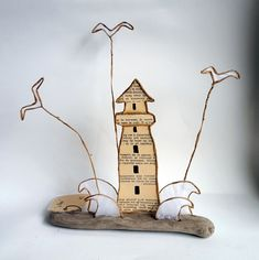 20180628_091540 Wire Crafts, Diy And Crafts, Crafts For Kids, Lighthouse Decor, Memory Crafts, Book Sculpture, Wire Art, Paper Art, Place Card Holders