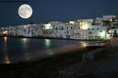 Full Moon at Naousa in Paros Island - Cyclades, Greece Mykonos, Santorini, Beautiful Vacation Spots, Beautiful Places, Amazing Places, Places To Travel, Places To See, Places Around The World, Around The Worlds