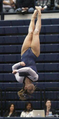 Amazing Gymnastics, Gymnastics Photography, Gymnastics Pictures, Artistic Gymnastics, Acrobatic Gymnastics, Sport Gymnastics, Olympic Gymnastics, Gymnastics Leotards, Women Volleyball