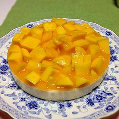 旦那が誕生日に作ってくれた(^◇^)美味しかった(^◇^) - 7件のもぐもぐ - マンゴーレアチーズケーキ by kirath1031