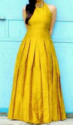 Shravan Kumar India Runway Week Grand Finale 2015 - ertug Source by pritamwaykole dresses indian Lehenga, Saree Gown, Anarkali Dress, Salwar Designs, Blouse Designs, Dress Designs, Long Gown Dress, Frock Dress, Designer Wedding Gowns