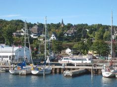 The charming town of Bayfield & Sailing the Apostle Islands on Lake Superior