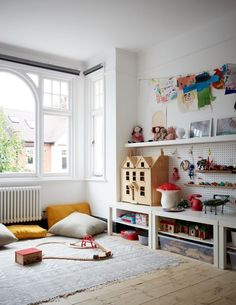 This London Terraced Home Has A Gorgeous Hallway And Wall Mural The post Step inside this late-Edwardian terraced house that nails both form and function appeared first on Woman Casual. Cool Kids Bedrooms, Kids Bedroom Designs, Kids Rooms, Children Playroom, Children Toys, Room Kids, Boy Rooms, Small Bedrooms, Kids Bedroom Furniture