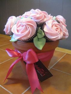 Cupcake bouquet (Blossom Cakes, Coventry)