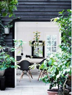 home inspiration BLACK & WHITE FAMILY FARMHOUSE